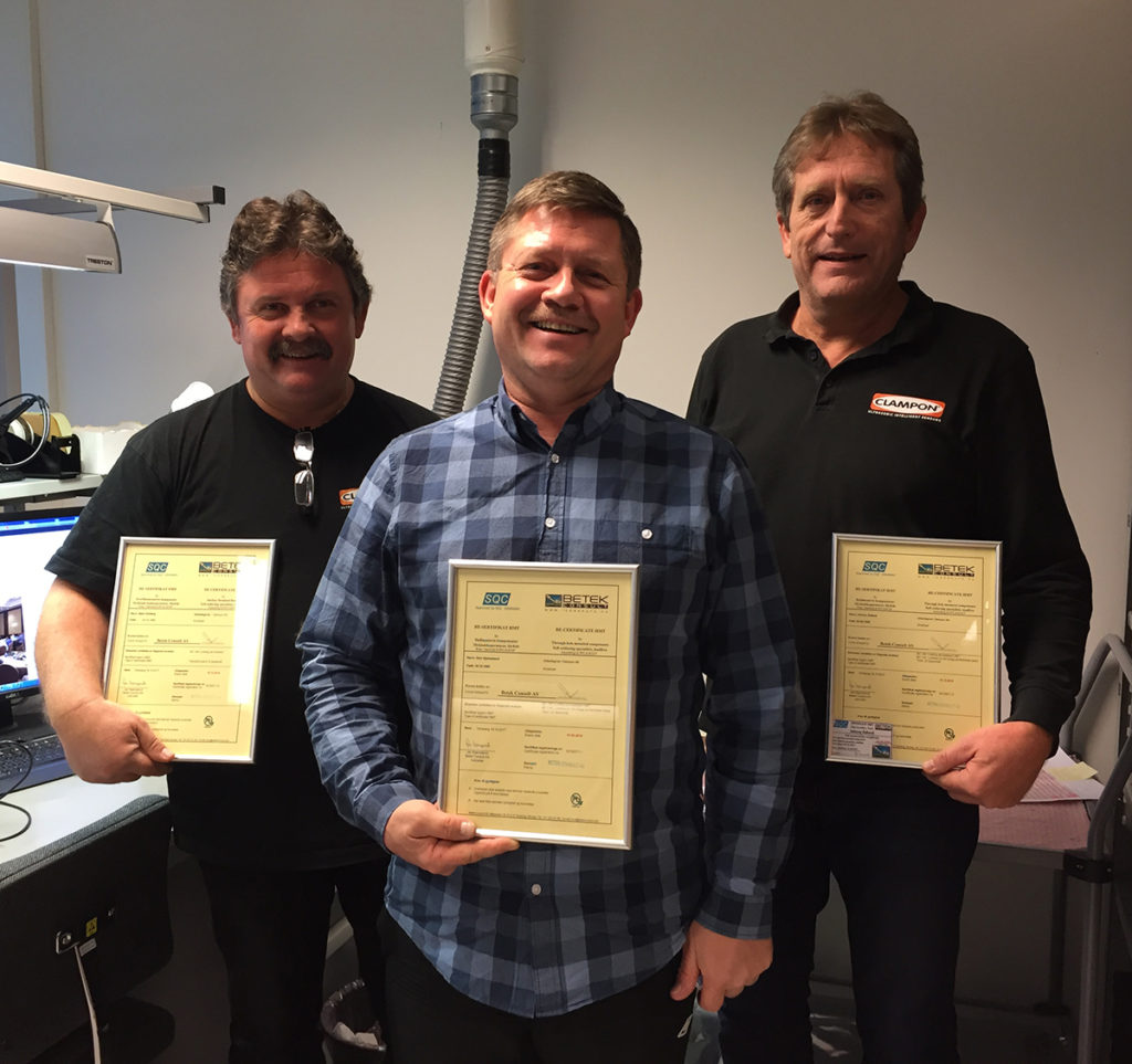 Bjørn Solberg, Geir Hjelmeland and Johnny Aadland are happy with their diploma
